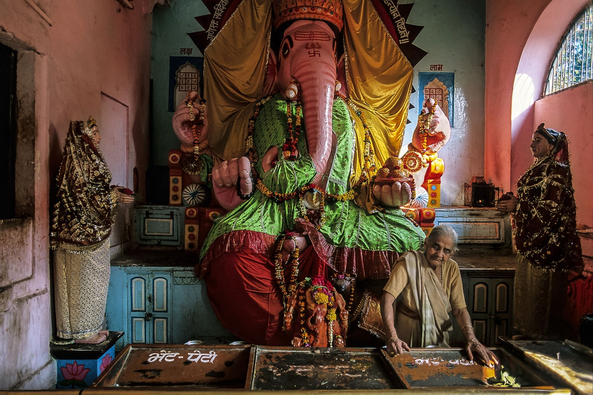 [infoHide=English]