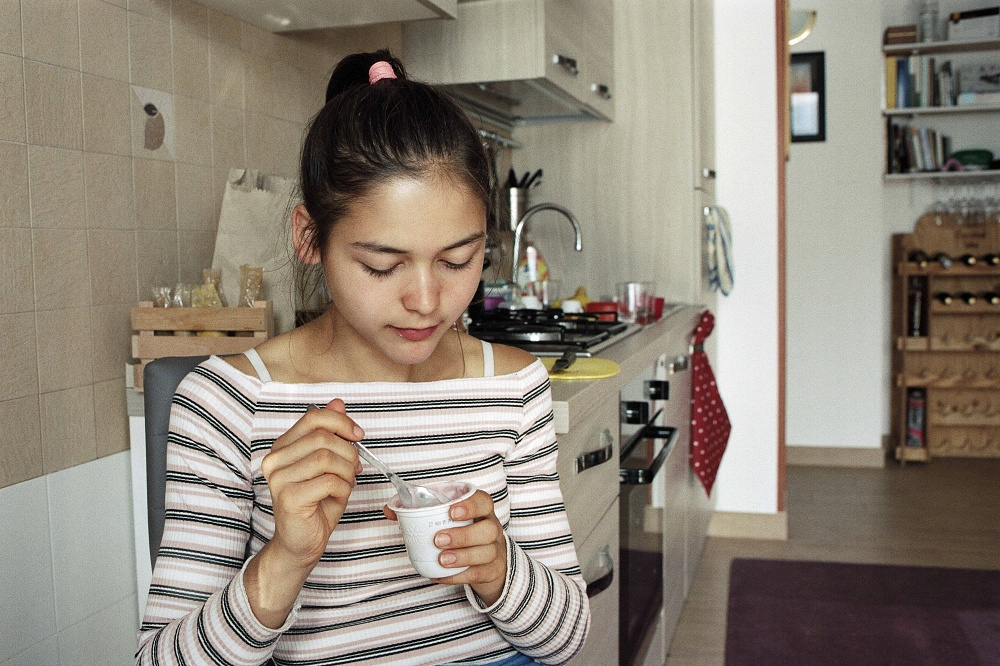 Lisa at Home, doing Breakfast